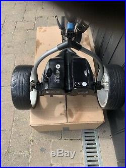 Motocaddy S3 Electric Golf Trolley With 27 Hole Lithium Battery